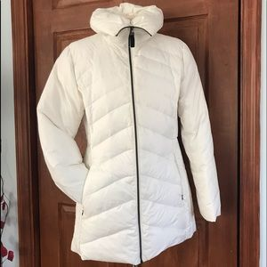 Andrew Marc New York white puffer coat
